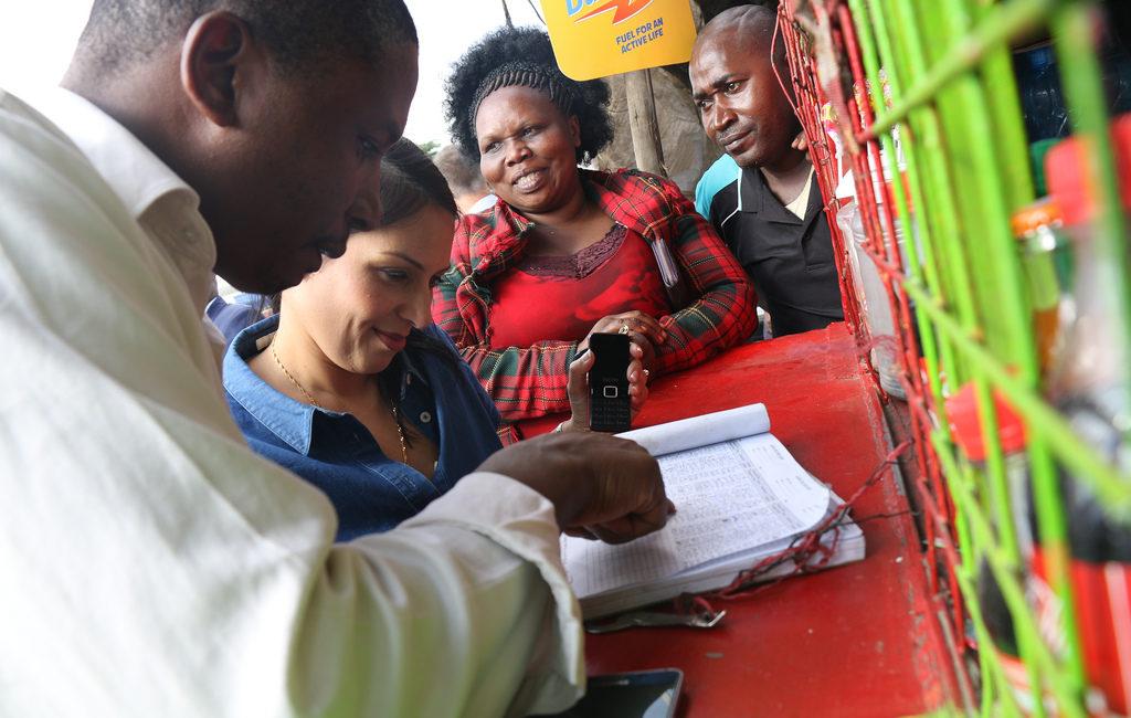 Điện thoại di động vẫn chưa đến với một nửa dân số châu Phi