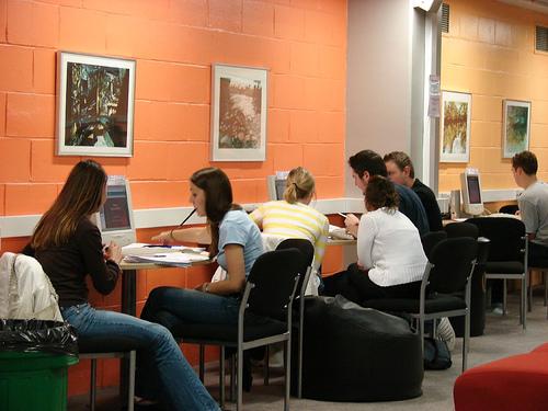 Các startup dạy ngoại ngữ của Anh làm thế nào để tiếp tục phát đạt?
